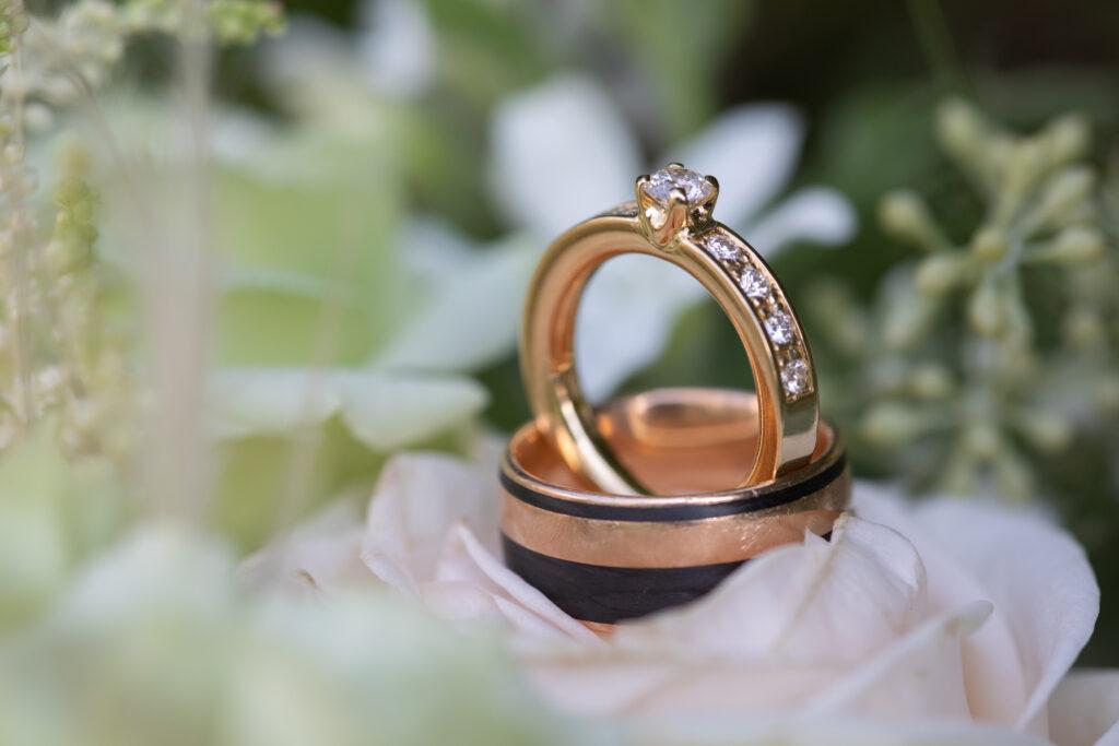 Shadowlight Hochzeit Nahaufnahme der Ringe